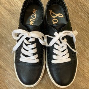 Sam Edelman black leather tennis shoes